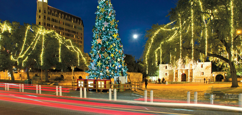 San Antonio Riverwalk Christmas.San Antonio Christmas On The Riverwalk 2019 Mayflower Tours