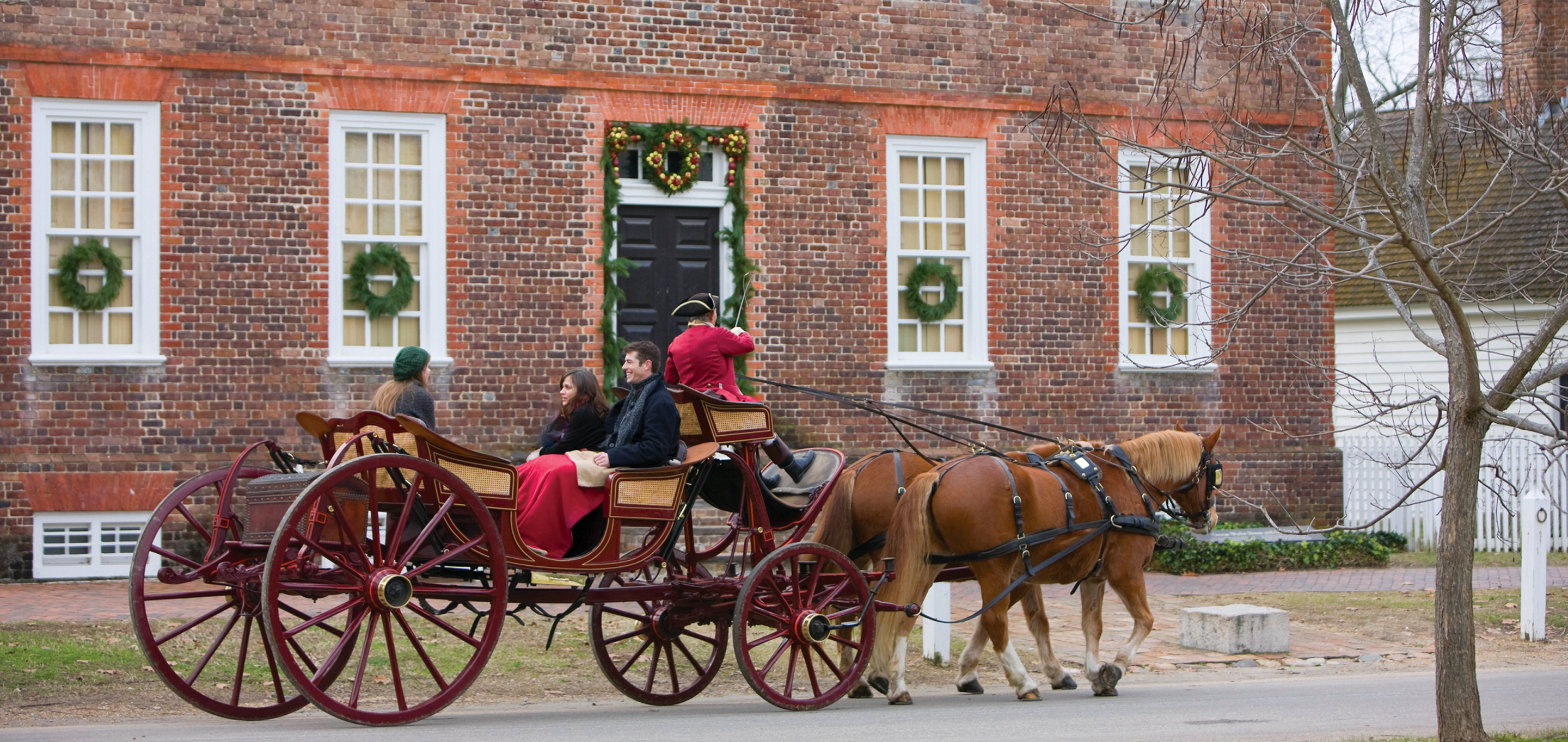 Colonial Williamsburg Christmas.Christmas In Colonial Williamsburg Mayflower Tours